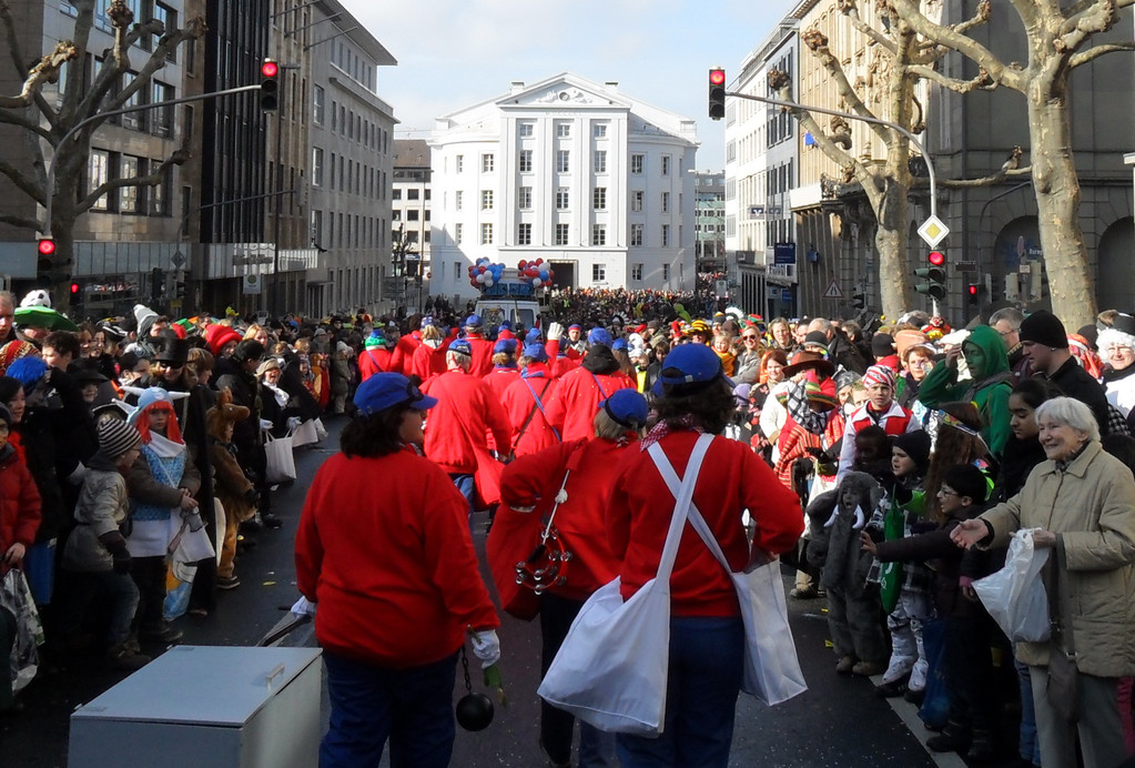 Rosenmontagszug in Aachen 2012