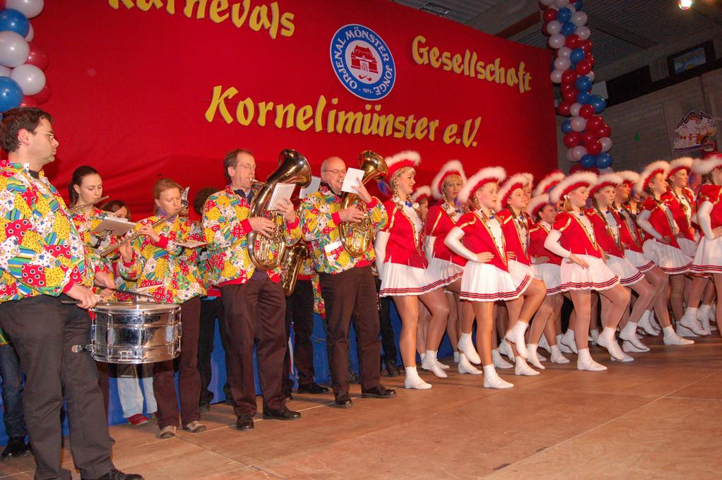 Aufmarsch der KG mit dem Musikverein Rott