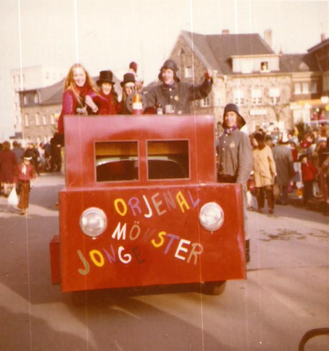"Karnevalswagen 1973 ""1. Löschzug Kornelimünster, Dixi """
