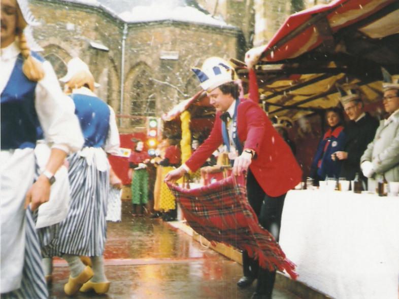 """Marktsitzung 1984 Juxtanz """"Meisjes"""""""