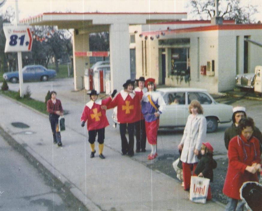 """Karnevalswagen 1974 """"Inde - Musketiere"""""""