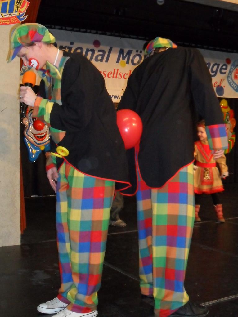 Wir tanzen mit Ballons