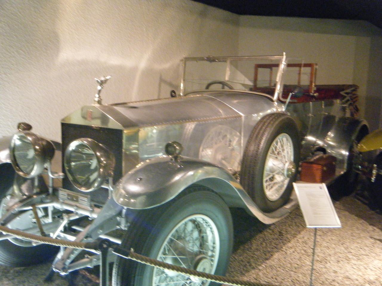 Anciennes voitures, celles-ci sont toujours en marche