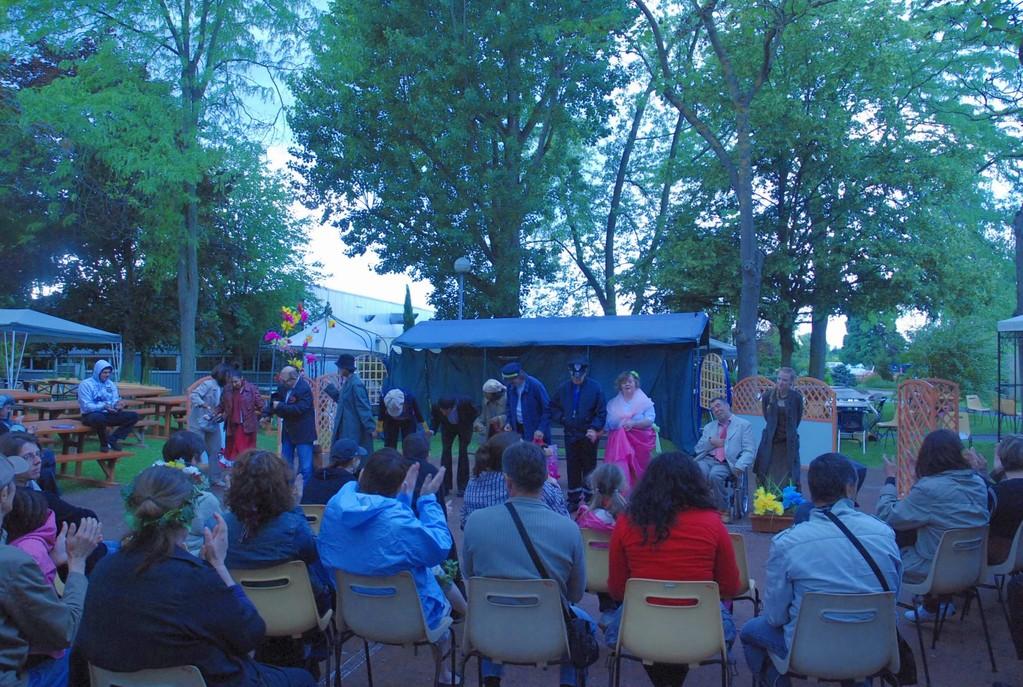 Représentation de fin d'année des ateliers-théâtre à Rosserie (foyer d'accueil pour personnes handicapées)
