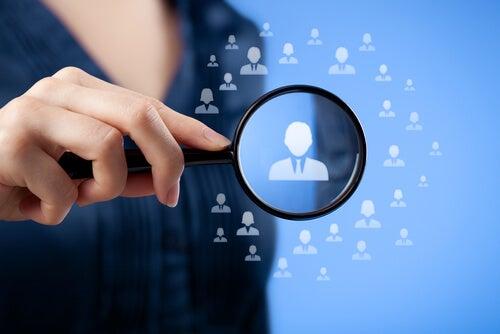 Buscando Datos personales para venderlos