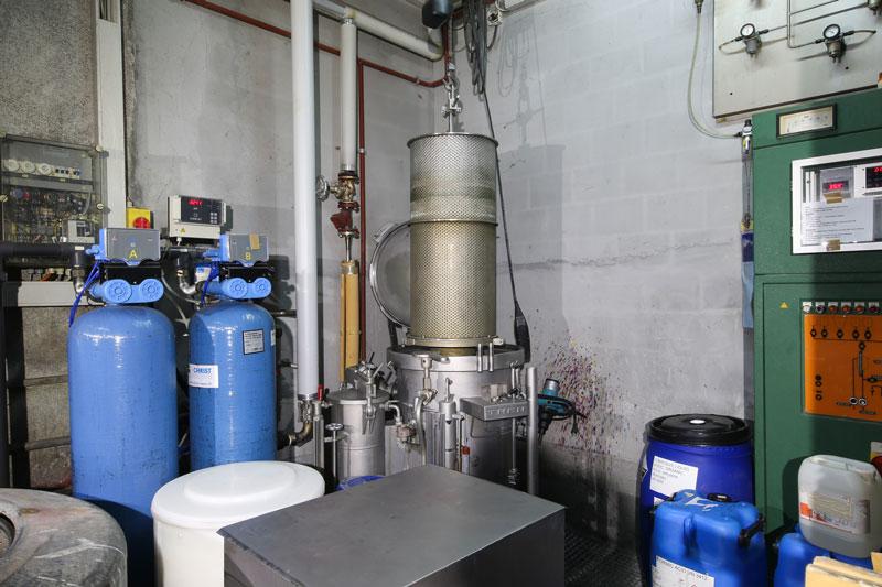 Kleine Flockenfärbemaschine und Wasserenthärtungsanlage