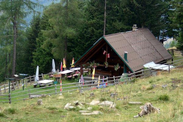 Die Liedl Hütte auf dem Weg nach St. Leonhard