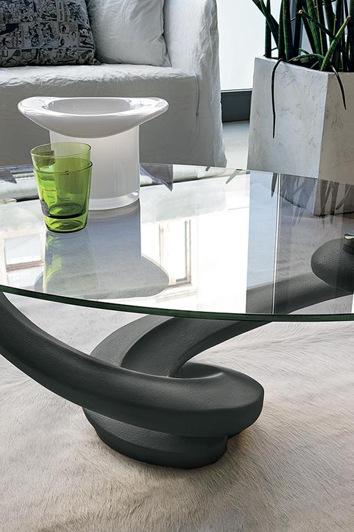 Tavolino da salotto (articolo TN4) - Base in agglomerato, piano in vetro temperato, misura cm.110x65, altezza cm.41