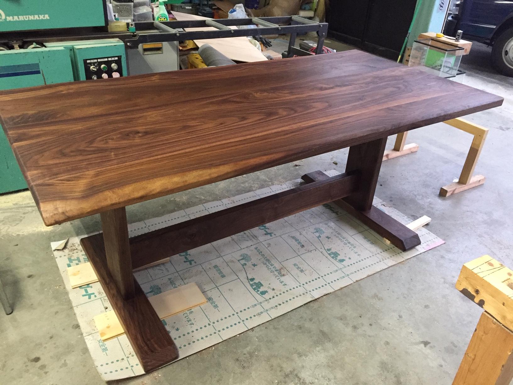 ウォルナットのテーブル2m×1.2m