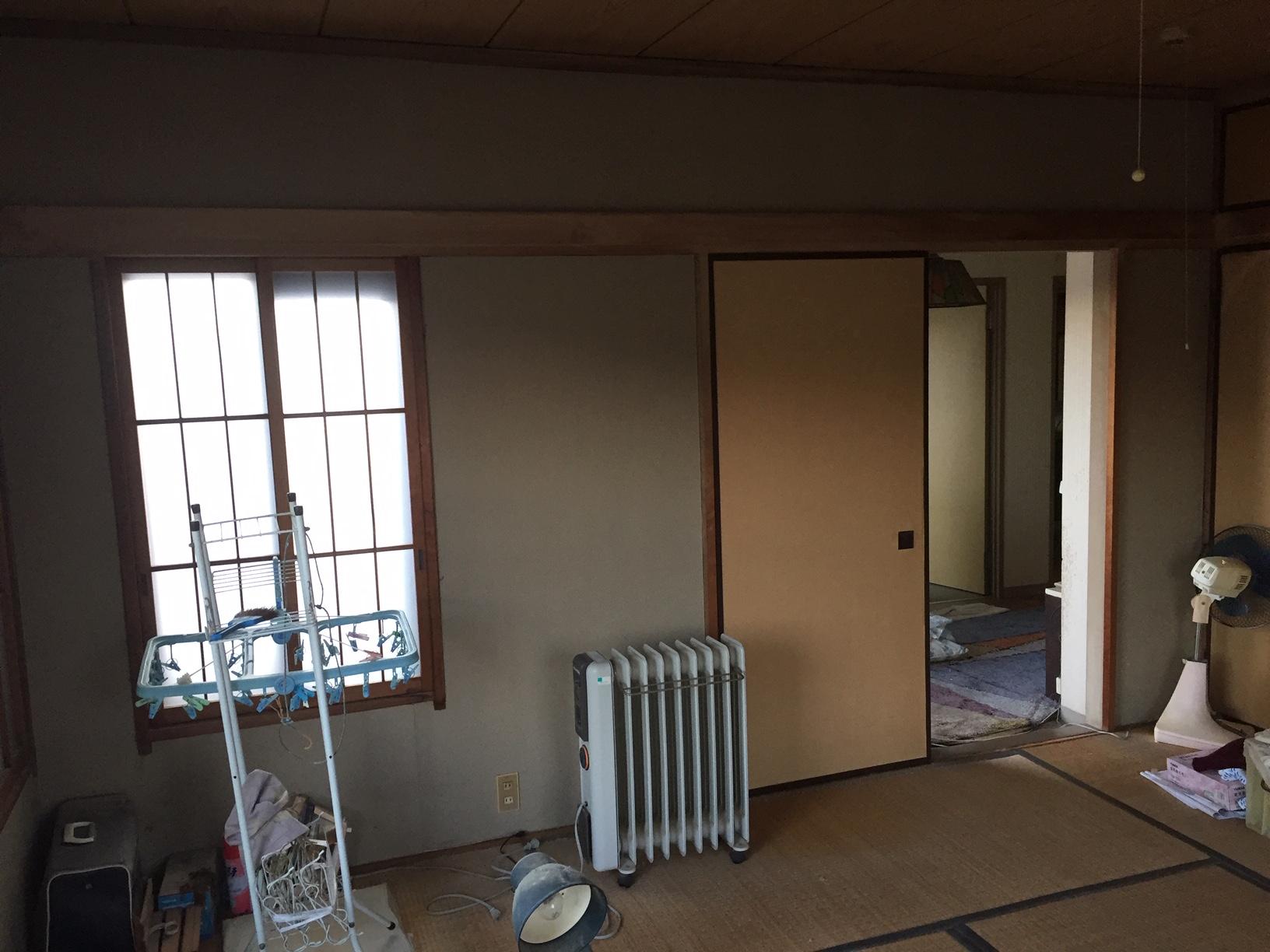 和室は畳に障子、敷目天井の完全和室でした