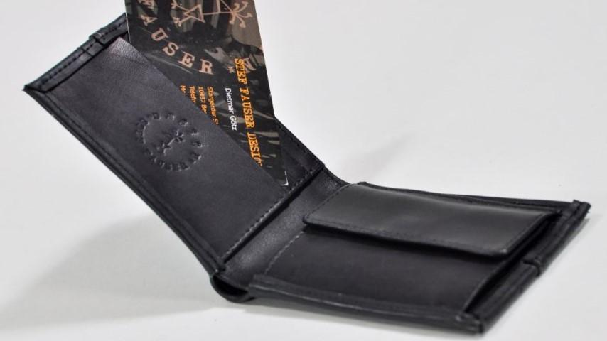 Neu im Sortiment von Stef Fauser Design Berlin ist das Portemonnaie Scheininger mini aus Fahrradschlauch und Leder.