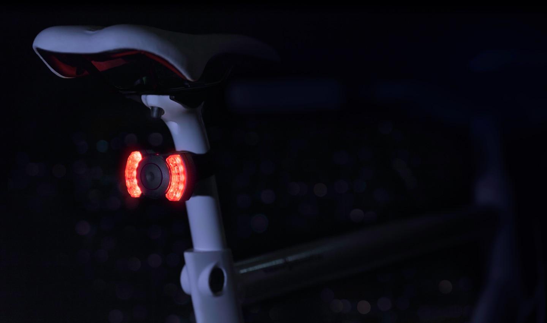 COBI Bordcomputer für e-Bikes und Pedelecs mit integrierter Beleuchtung hinten