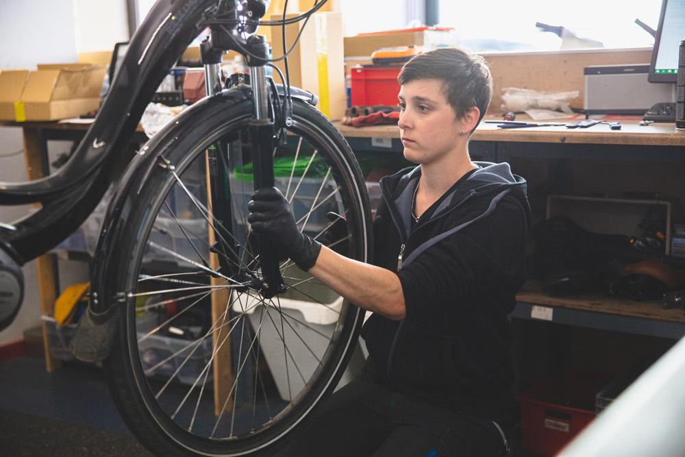 Wartung und Inspektion in der e-motion e-Bike Welt Worms