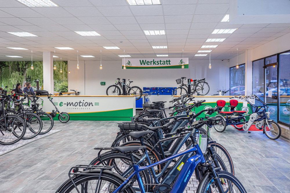 Große Auswahl an e-Bikes und Speed Pedelecs in der e-motion e-Bike Welt Moers