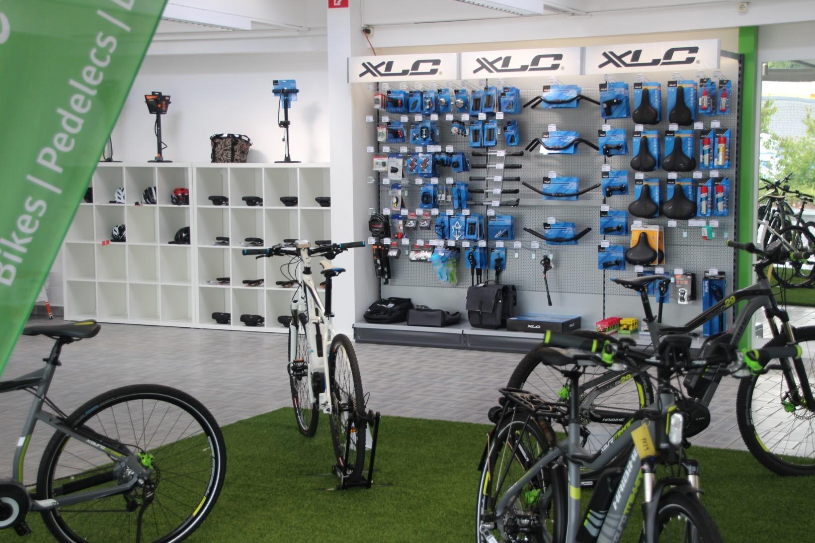 e-Bike Zubehör, Anhänger und Helme von den e-motion e-Bike Experten in Kleve