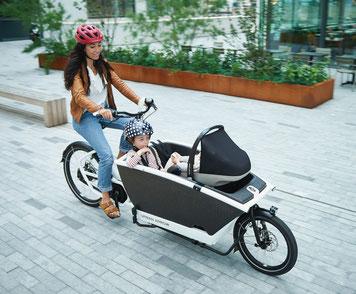Ein e-Lastenrad erleichtert den Transport durch die Innenstadt