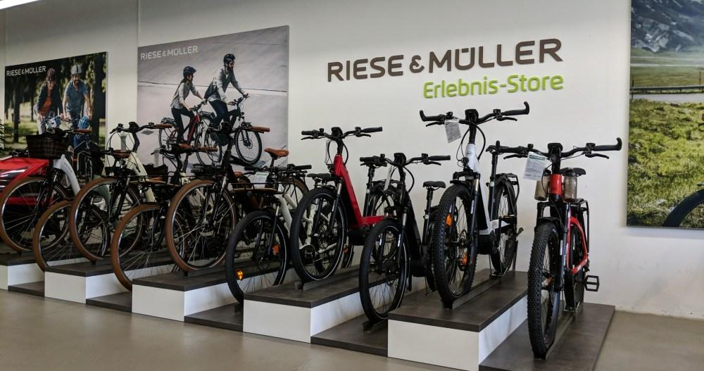 Große Auswahl an e-Bikes, Pedelecs und Elektrofahrrädern haben Sie in der e-motion e-Bike Welt Gießen