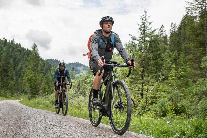 Gravel e-Bikes bei e-motion