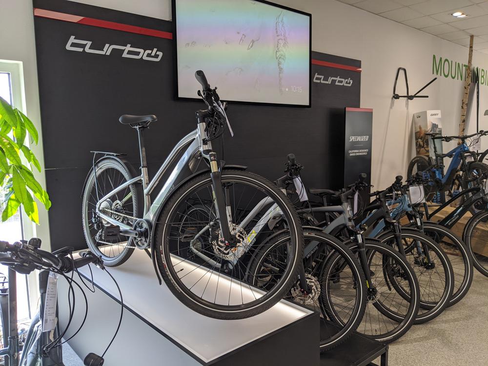 City e-Bikes in der e-motion e-Bike Welt Bremen testen
