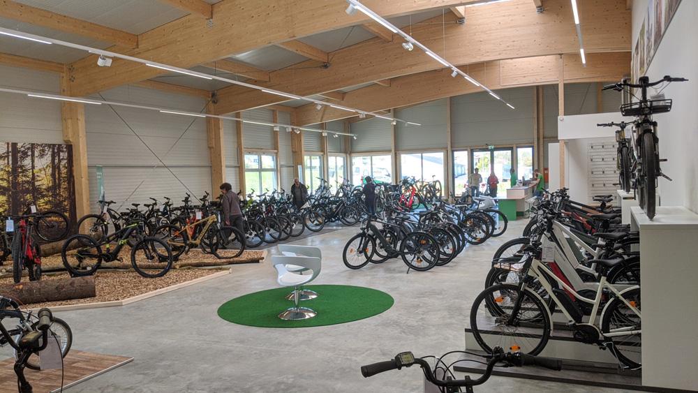 Eine riesige Auswahl an hochwertigen e-Bikes warten auf Sie in der e-motion e-Bike Welt Westhausen.