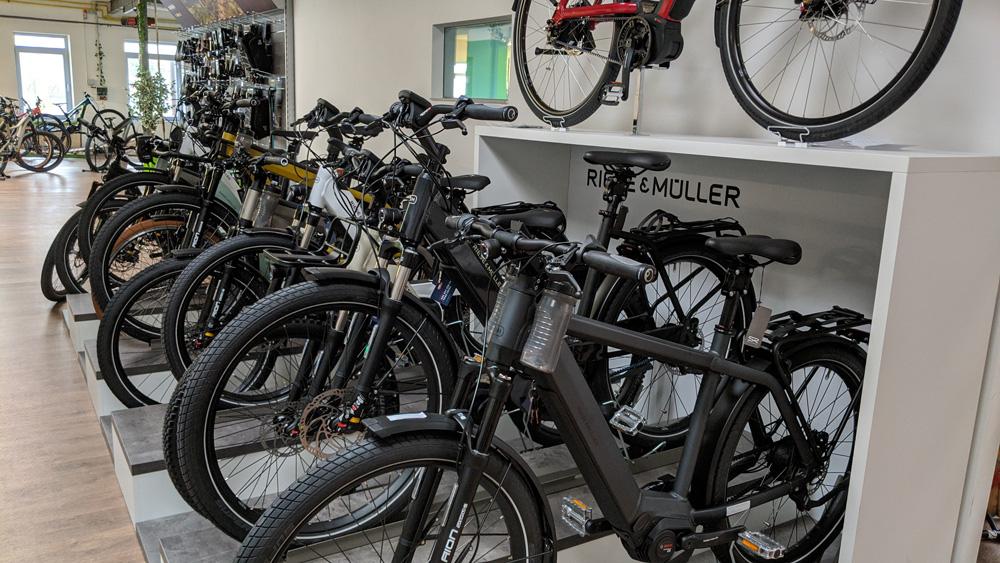 Premium e-Bikes in der e-motion e-Bike Welt in Halver kaufen