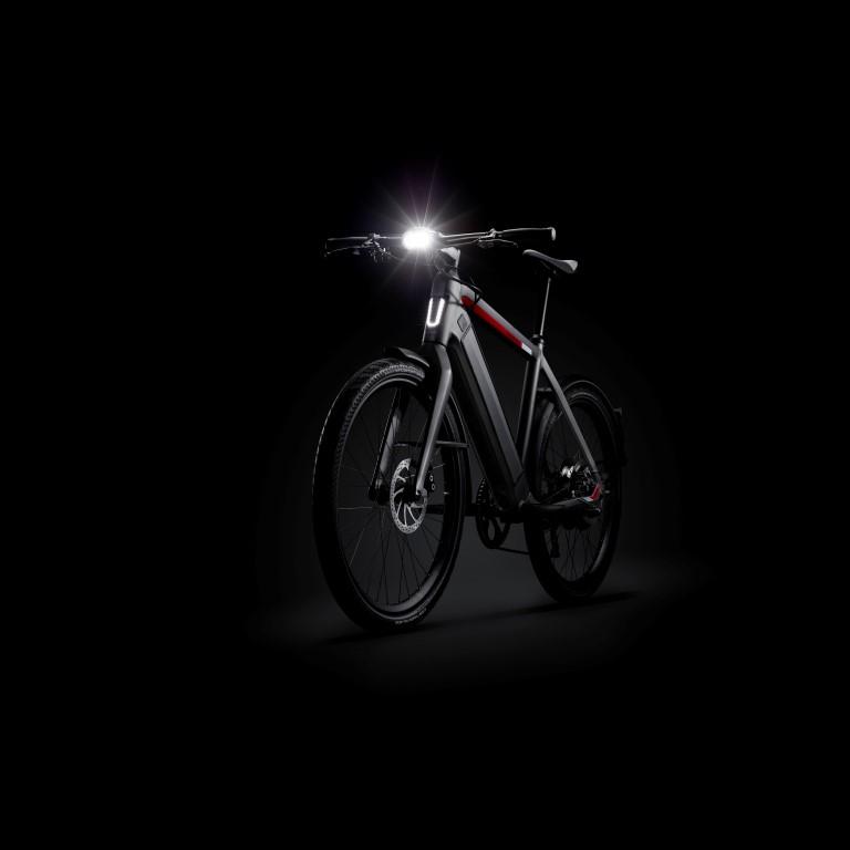 e-Bike Lichtsystem von SuperNova an einem Stromer Trekking Pedelec