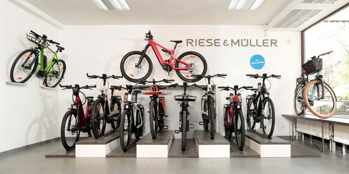 Große Auswahl an Premium Riese & Müller e-Bikes in der e-motion e-Bike Welt in München Süd