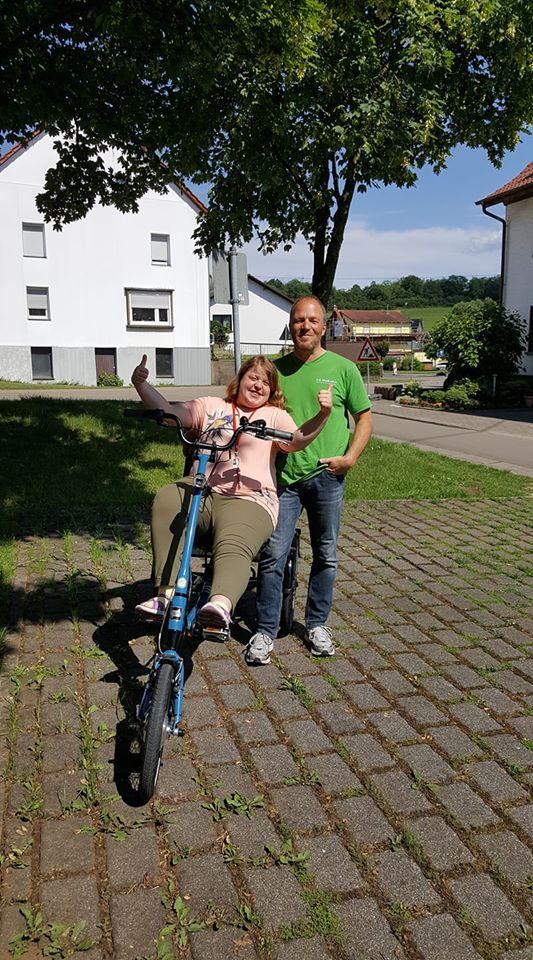 Alina, unsere glückliche Dreirad-Kundin