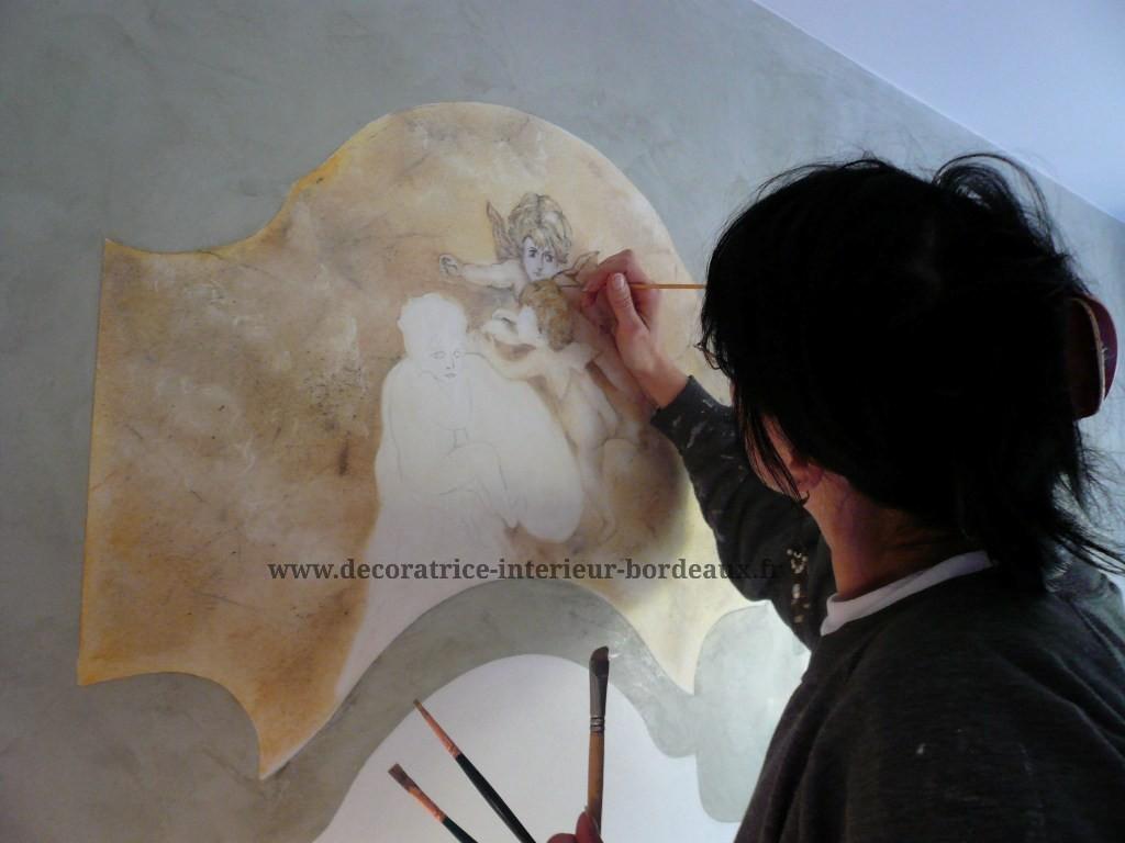 Élaboration du décor XVIII ème sur un enduit stucco