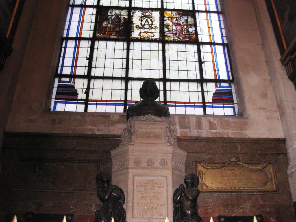 Monumento dedicato a l'agate de l'Epèe presso di San Rocco a Parigi