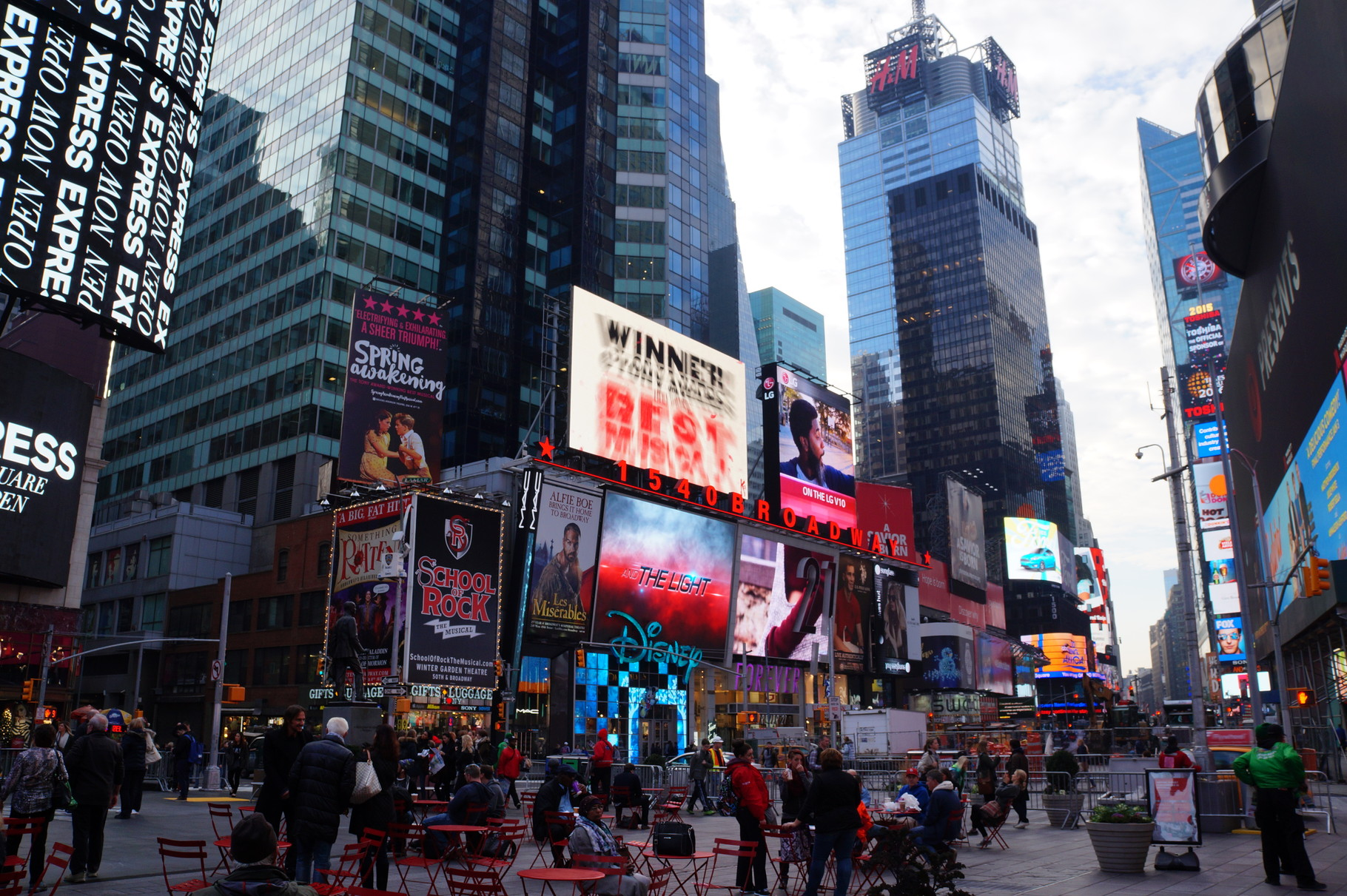 New york top 10 must see places in the big apple half for Things must see in new york