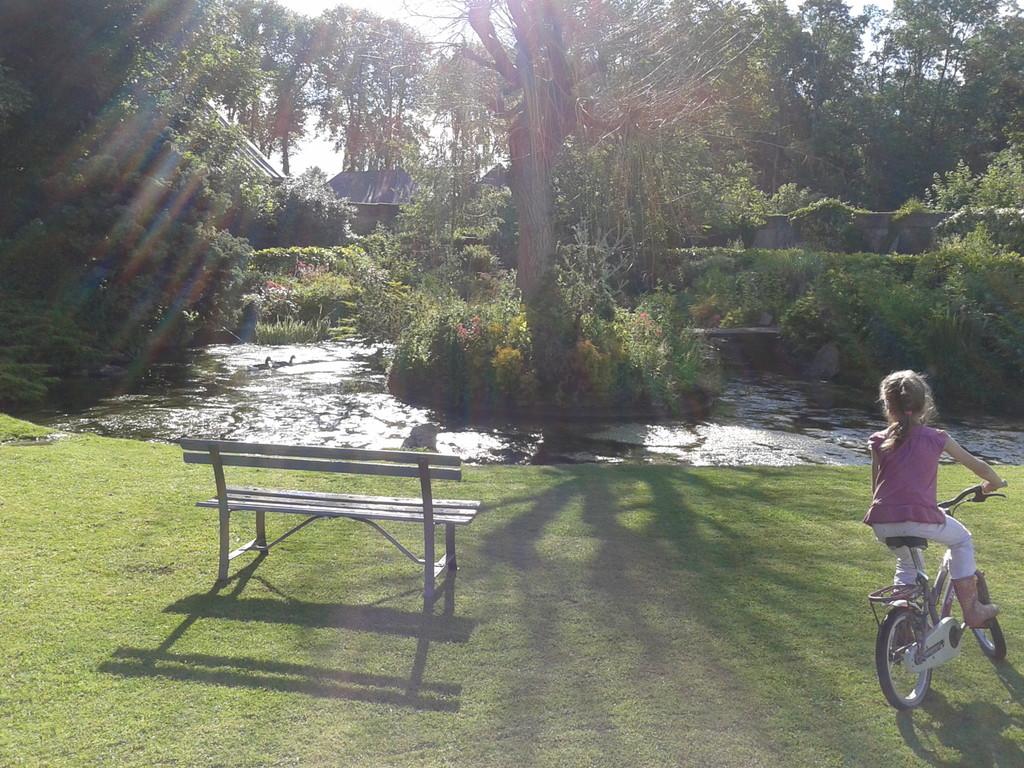 Au jardin des 2 ponts abbeville tourisme porte de la for Au jardin des deux ponts