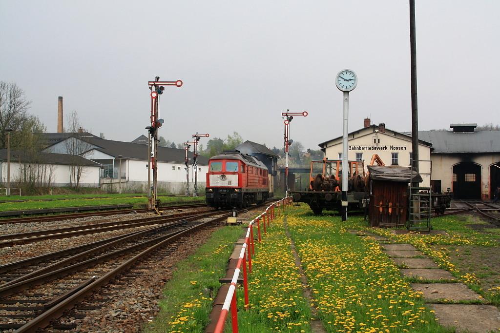 241 338 im Bahnhof Nossen