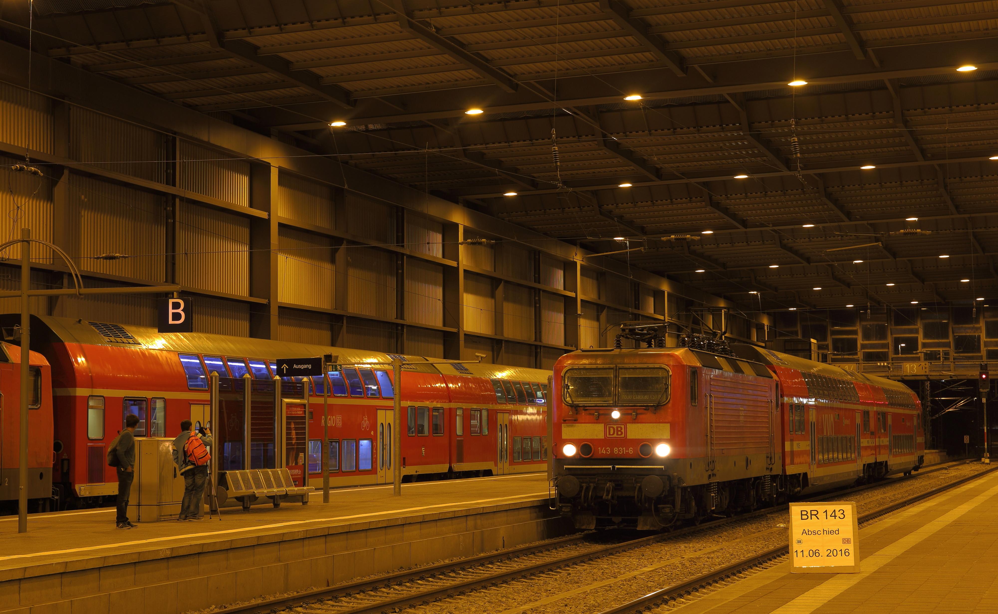 Letzte RB 30 von Zwickau nach Dresden im Chemnitzer Hbf