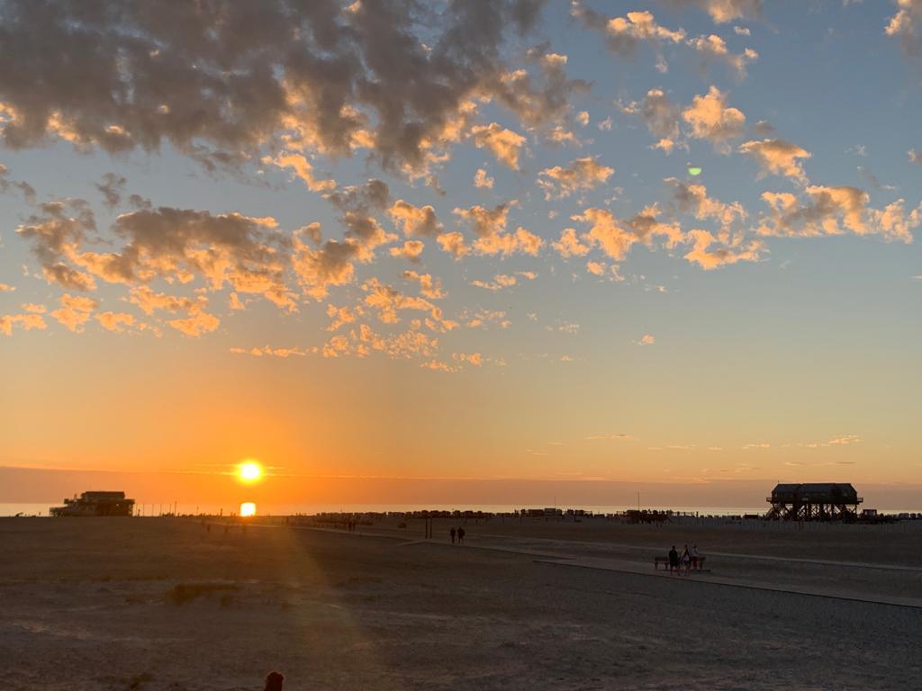 Sonnenuntergang am Strand von St- Peter-Ording