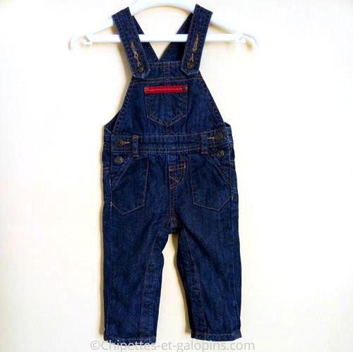 vetements enfants occasion. Salopette en jean pas cher pour bébé garçon de 6 mois. Tape à l'œil