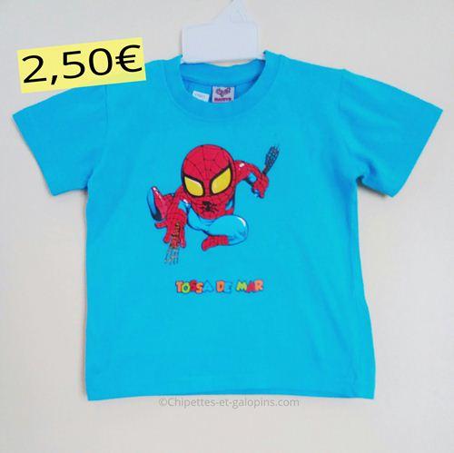 Vêtements d'occasion pour enfants. T-shirt Spiderman pas cher garçon 2 ans