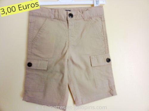Vêtements d'occasion pour enfants. Short beige Kiabi 3 ans