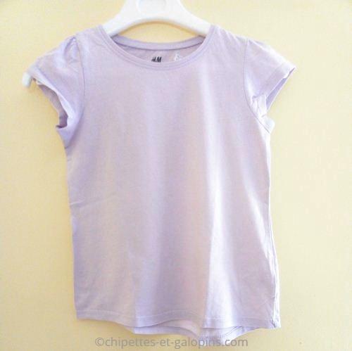vetements occasion enfant. Vetements enfant pas chers. T-shirt fille 8 ans à petit prix, à manches courtes et de couleur parme.