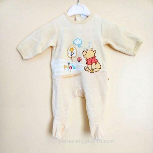 vetements bébé d'occasion. Vetement bébé pas cher. Pyjama velours jaune Winnie l'ourson pour bébé garçon de 3 mois à petit prix.Pyjama bébé d'occasion pas cher