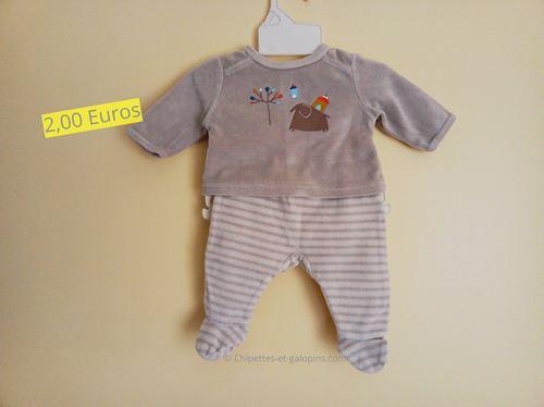 vêtements bébé d'occasion. Pyjama velours 2 pièces 1 mois pas cher
