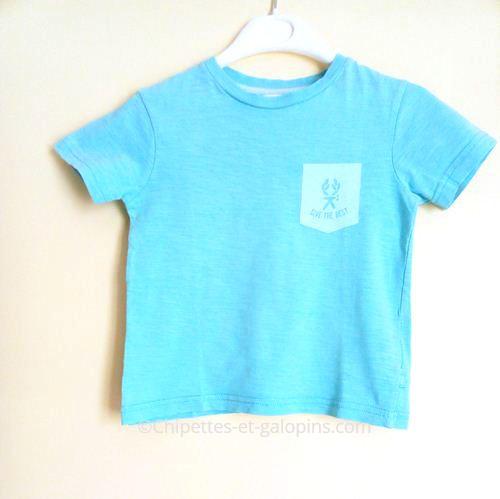 vetement occasion enfant. T-shirt manches courtes pas cher Okaïdi de couleur bleu lagon
