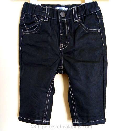 vetements d'occasion pour enfants. Pantalon enduit noir pour bébé garçon. Pantalon 6 mois pas cher