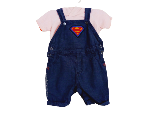 """vetements occasion bébé. Vetements bébé garçon pas chers. Ensemble salopette-short """"justice league"""" pour bébé garçon 6 mois. Salopette Superman et T-shirt Batman à tout petit prix"""