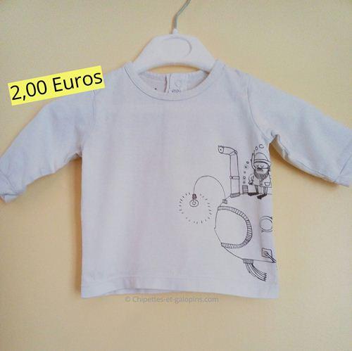 vêtements bébé occasion. T-shirt manches longues pas cher Vert Baudet.  Couleur blanche et motif sous-marin pour ce joli vêtement bébé occasion pas cher