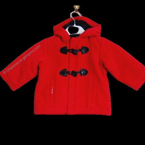 vetement bébé occasion. Vetements bébé pas chers. Manteau à capuche rouge Sucre d'orge bébé 9 mois