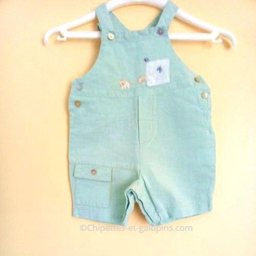 vetements bébé occasion. vetements bébé pas chers. Salopette-short bébé 3 mois pas chère marque Brioche couleur vert d'eau
