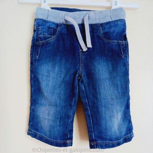 vetement enfant d'occasion. Bermudas Okaïdi pas cher pour garçon de 4 ans en jean.