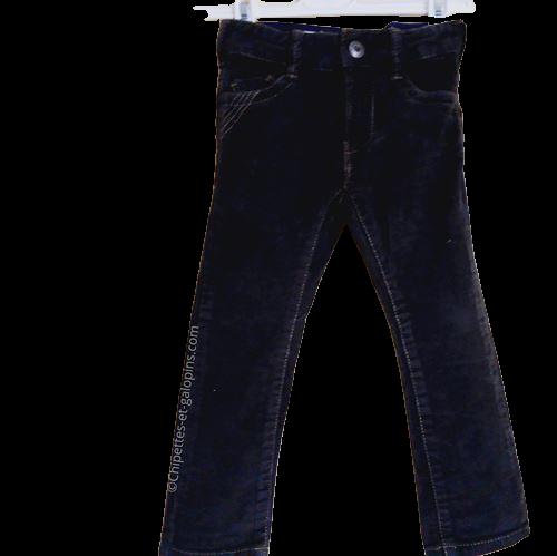 vetement occasion enfant. Vetements enfants pas chers. Pantalon slim en velours côtele Okaïdi pour bébé garçon 2 ans