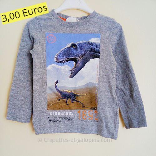 Vêtements enfants pas chers. T-shirt manches longues d'occasion motif Dinosaure 2 ans